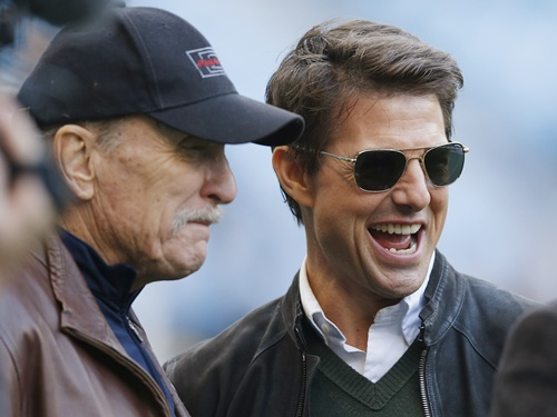US actors Robert Duvall (left) and Tom Cruise