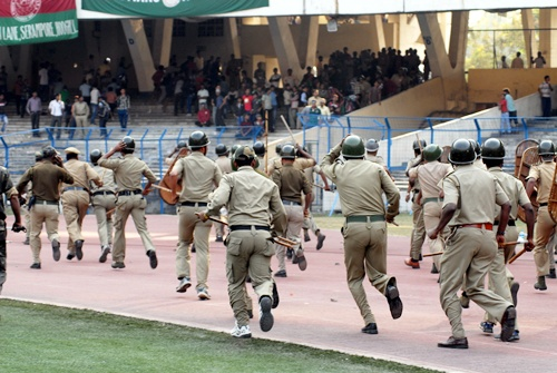 Photos: 40 injured as Mohun Bagan-East Bengal derby called off