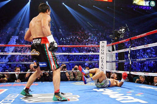 Juan Manuel Marquez knocks down Manny Pacquiao
