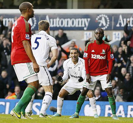 Tottenham Hotspur's Jan Vertonghen (centre) celebrates after scoring against Swansea on Sunday