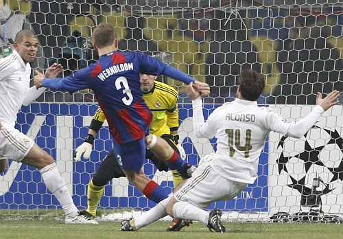 CSKA Moscow's Pontus Wernbloom shoots to score against Real Madrid during their Champions League last 16 first leg match at the Luzhniki stadium