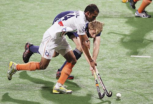 SV Sunil battles of possession