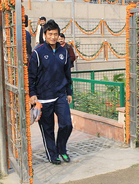 Stage set for Bhaichung's farewell exhibition match
