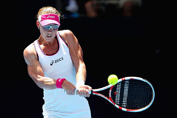 Australian Open: Stosur melts as other seeds handle the heat