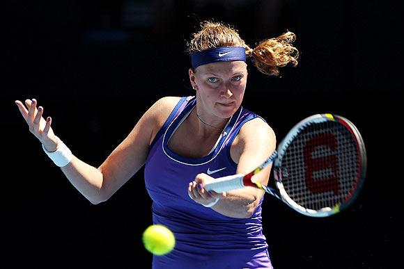 Kvitova cruises through