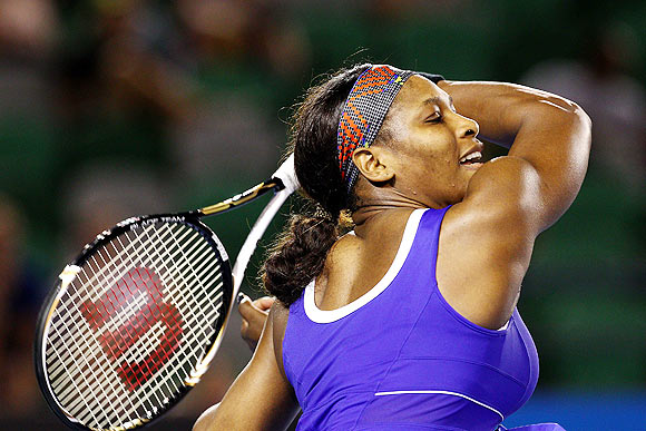 Serena looks rusty on Melbourne Park return