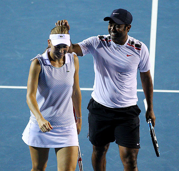 Paes has chance to repeat a rare success