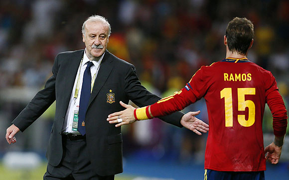 Spain's coach Vicente del Bosque and Sergio Ramos durung the final