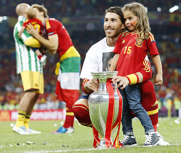 Euro photos: Kiddies party after dads' triumph