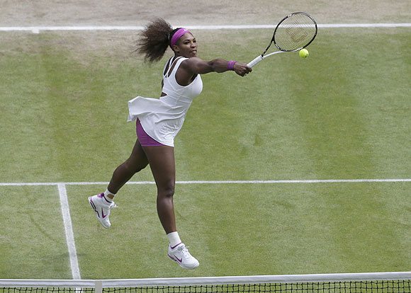 Serena Williams hits a return to Agnieszka Radwanska