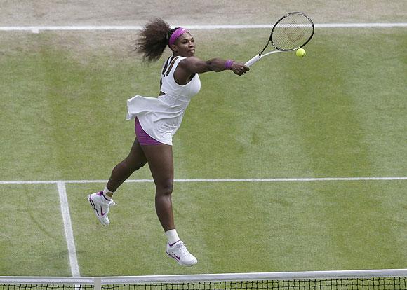 Serena Williams hits a return to Agnieszka Radwanska