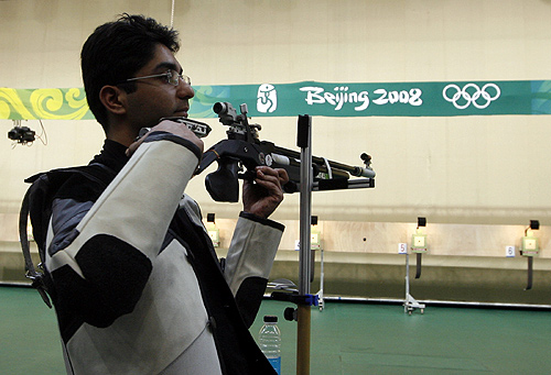Abhinav Bindra of India looks up during the men's 10m air rifle final shooting competition at the Beijing 2008 Olympic Games