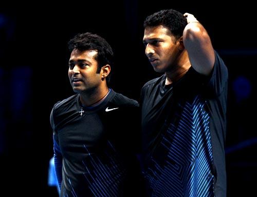 Mahesh Bhupathi (right) with Leander Paes
