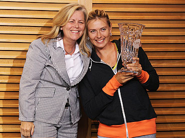 Maria Sharapova poses with WTA CEO Stacey Allaster after becoming the WTA World No 1 following her French Open semi-final victory over Petra Kvitova on Thursday