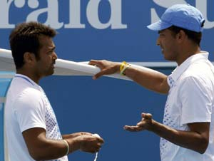 Leander Paes (left) with Mahesh Bhupathi