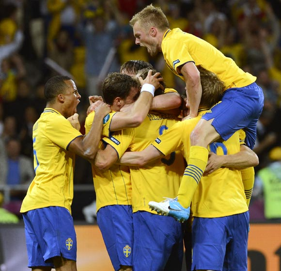 Sweden's players after Olof Mellberg scored the second goal