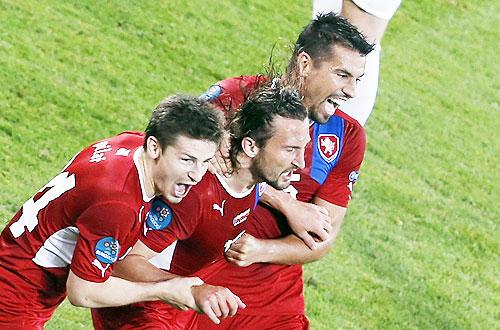 Czech Republic's Petr Jiracek (centre) celebrates his goal