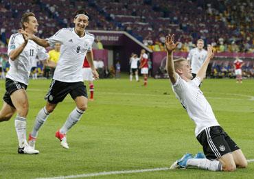 Miroslav Klose, Mesut Ozil and Lars Bender