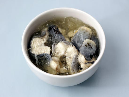 A traditional British snack of jellied eels