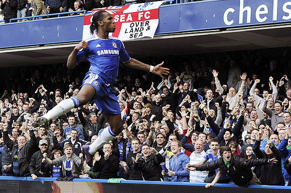 Drogba strikes to help Chelsea go past Stoke