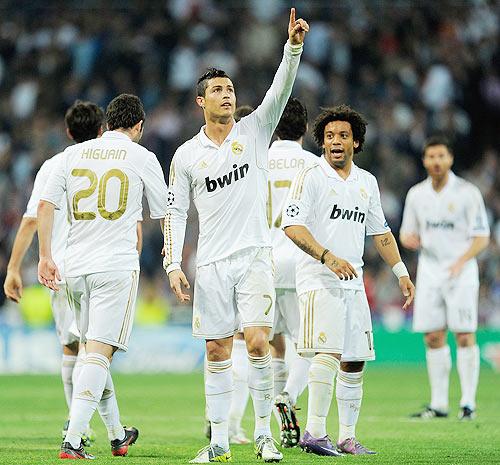 Cristiano Ronaldo celebrates with team-mates