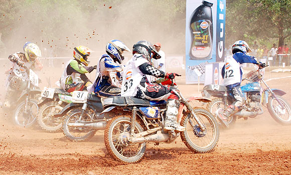 Naresh steals the show in Gulf Dirt Track Nationals