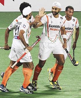 Sandeep Singh (centre)