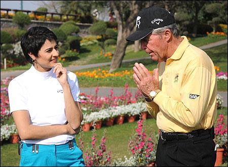 Shaili Chopra and Gary Player.
