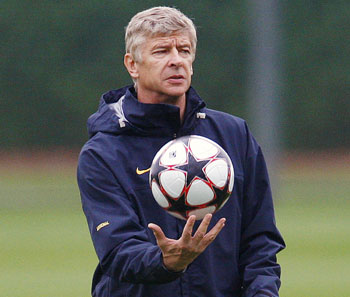 Wenger has silenced Arsenal critics: Bergkamp