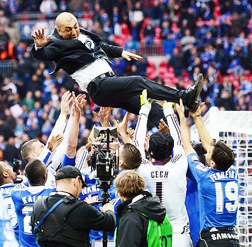 Give Di Matteo the job, say jubilant Chelsea players