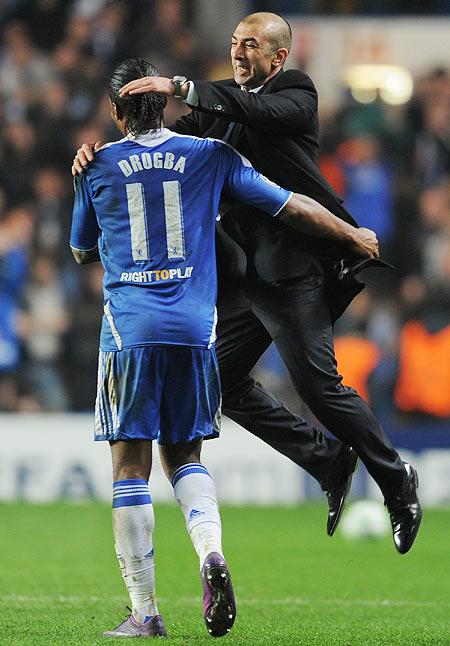 Roberto Di Matteo Chelsea celebrates victory with Didier Drogba
