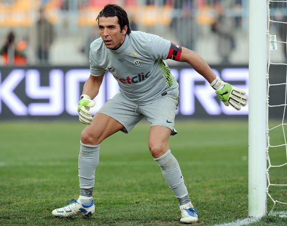 Gianluigi Buffon of Juventus in action during the Serie A match between US Lecce and Juventus FC at Stadio Via del Mare on January 8, 2012 in Lecce, Italy