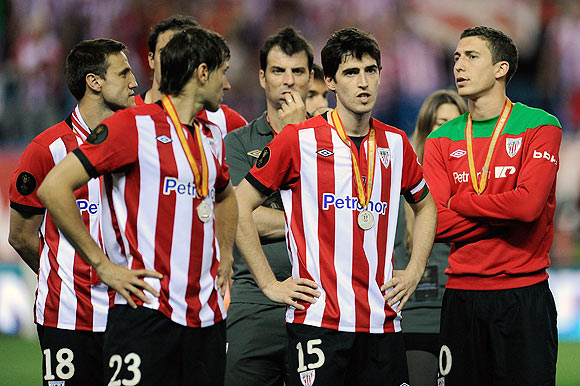 Athletic Bilbao players react after losing to Barcelona