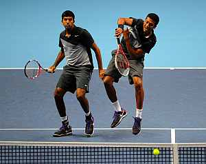 Bhupathi smashes as Bopanna watches