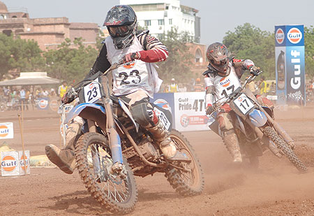Joshua riding in Indian Expert class 260CC 2 and 4 stroke at the Gulf Cup Dirt Track FMSCI National Championship in Jodhpur on Sunday