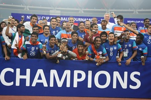 The triumphant Indian team with the Nehru Cup