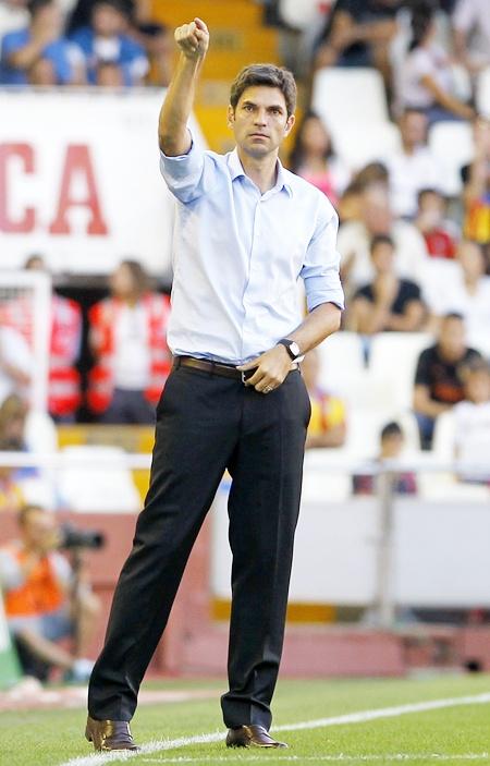 Valencia's coach Mauricio Pellegrino gestures