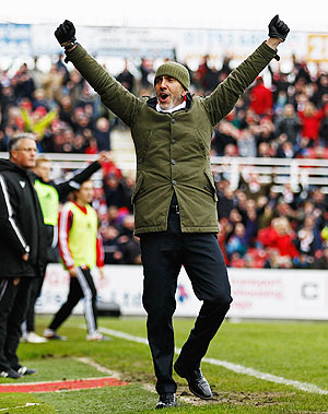 Sunderland turn to Di Canio as saviour