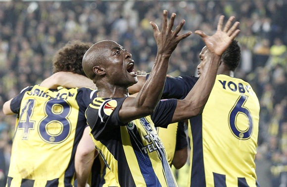 Pierre Webo of Fenerbahce celebrates