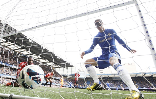 EPL: Torres sparks rally as Chelsea jump above Spurs