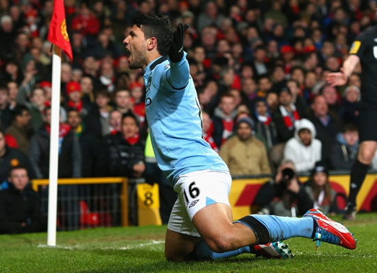EPL PHOTOS: Special Aguero goal helps City sink United