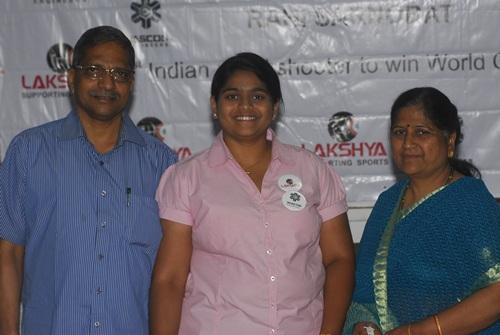 Rahi Sarnobat with her parents
