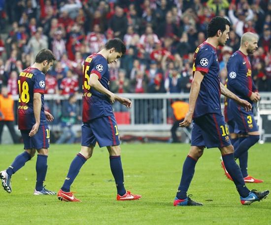 Barcelona's players react