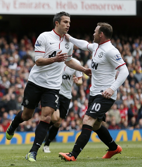 Robin van Persie (left) celebrates