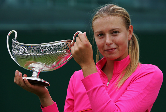 Maria Sharapova lifts the DFS Clasic Trophy after her final against Jelena Jankovic in 2005