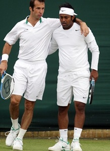 Paes-Stepanek lose in Montreal