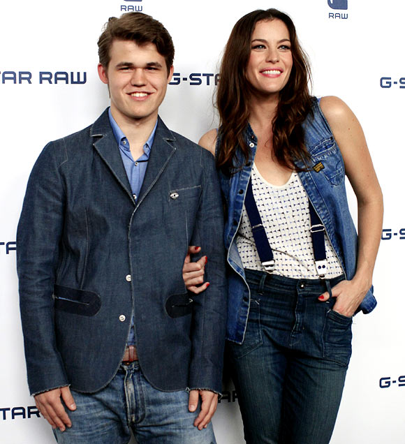 Magnus Carlsen with actress Liv Tyler