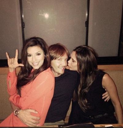 Victoria Beckham enjoys girls night out with Eva Longoria