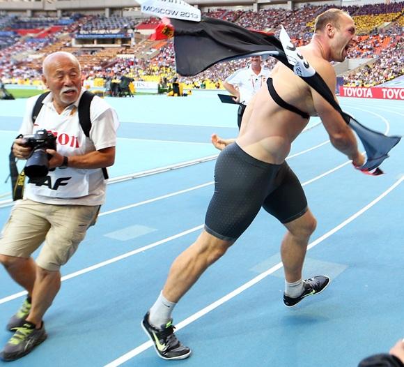 Robert Harting of Germany celebrates