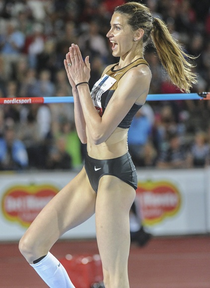 vaulters female athletes Hottest pole